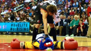 Why does the NBA's Robin Lopez keep fighting with team mascots?